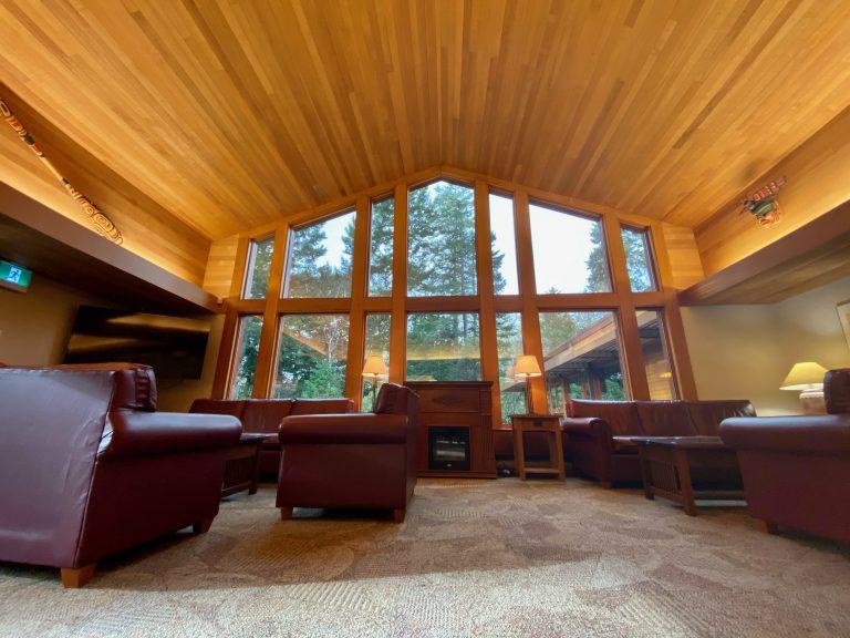 Fireplace Lounge3